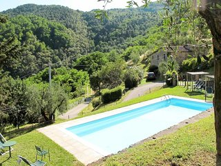 3 bedroom Apartment in Pietrabuona, Tuscany, Italy : ref 5656381