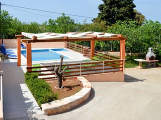 2 bedroom Apartment in Vinkuran, Istria, Croatia : ref 5654650