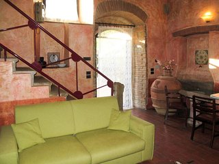 2 bedroom Apartment in Le Vigne, Tuscany, Italy : ref 5656081