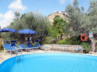 4 bedroom Apartment in Le Vigne, Tuscany, Italy : ref 5655074