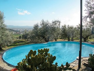 2 bedroom Apartment in Colonnata, Tuscany, Italy - 5656081