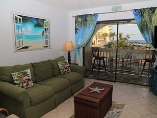 Las Palmas 114 | Great View, Gulf Oriented | FREE Wifi | by Gulfsands Rentals
