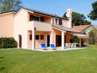 3 bedroom Apartment in Isola Albarella, Veneto, Italy : ref 5656464