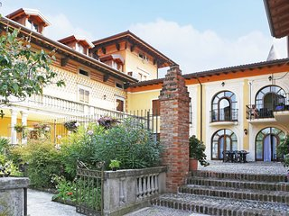 2 bedroom Apartment in Solarolo Rainerio, Lombardy, Italy : ref 5654976