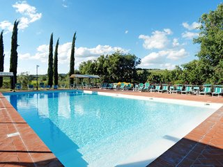 2 bedroom Apartment in Tolena, Tuscany, Italy : ref 5656352