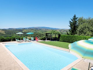 4 bedroom Villa in Mattone, Tuscany, Italy : ref 5655357