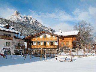 3 bedroom Apartment in Pozza di Fassa, Trentino-Alto Adige, Italy : ref 5655182