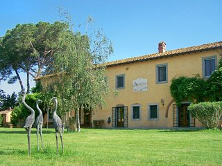 2 bedroom Apartment in Giardino, Tuscany, Italy : ref 5655833