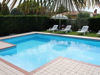2 bedroom Apartment in Mondragon di Sotto, Veneto, Italy : ref 5656505