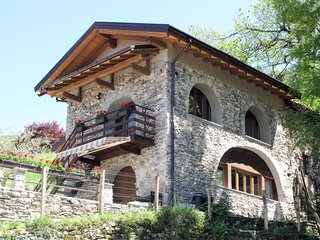 2 bedroom Villa in Castello dell'Acqua, Lombardy, Italy : ref 5656149