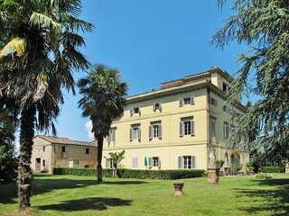 4 bedroom Apartment in Sergine di Sotto, Tuscany, Italy : ref 5655996