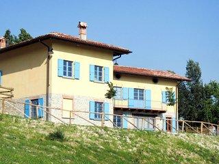 7 bedroom Villa in Scorrone, Piedmont, Italy : ref 5656326