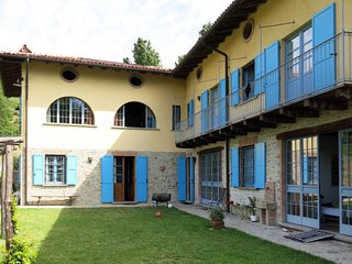 4 bedroom Apartment in Scorrone, Piedmont, Italy : ref 5655102