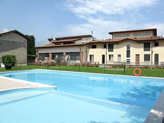 2 bedroom Apartment in Cunettone-Villa, Lombardy, Italy : ref 5656019