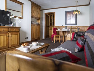2 bedroom Apartment in Val Thorens, Auvergne-Rhone-Alpes, France : ref 5654621