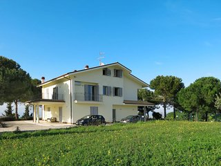 3 bedroom Villa in Santa Maria a Valle, Abruzzo, Italy : ref 5656208