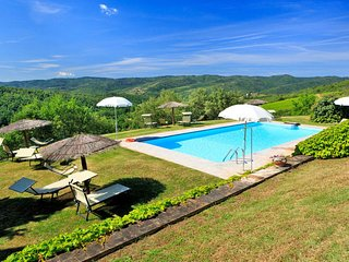4 bedroom Apartment in , Tuscany, Italy : ref 5655386