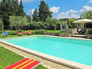 6 bedroom Apartment in Piazza al Serchio, Tuscany, Italy : ref 5655600