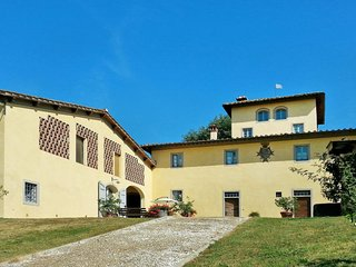 2 bedroom Apartment in Il Pino, Tuscany, Italy : ref 5655230
