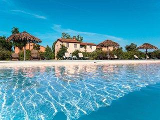 2 bedroom Apartment in Imposto, Tuscany, Italy : ref 5655198