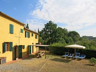 4 bedroom Apartment in Collelungo, Tuscany, Italy : ref 5655547