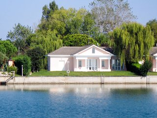 3 bedroom Villa in Caleri, Veneto, Italy : ref 5655669