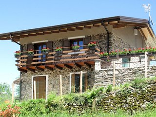 3 bedroom Villa in Castello dell'Acqua, Lombardy, Italy : ref 5655947