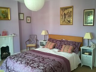 3bd Traditional terraced house in the Regency seaside town of Sidmouth