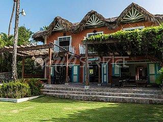 CLARA INES, villa en bord de mer sur Playa Bonita, 5 chambres, 18 personnes