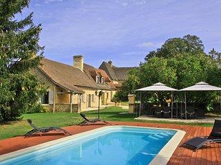Maison charme piscine jacuzzi
