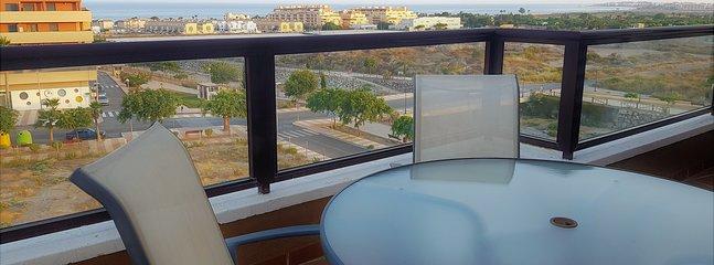Apartamento Vistas al Mar con Piscina y Pista de Padel