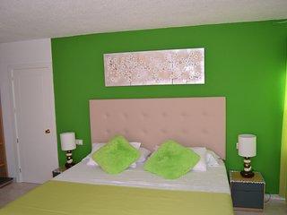 Bonita habitación con impresionantes vistas a Morro Jable  y con excelentes vistas al mar. Cama XXL