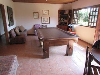 chácara em condomínio fechado com bilhar e piscina a 50 km de sao paulo