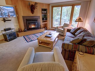 Ski Run 503 Mountain Decor With Slopes Views by Summitcove Lodging