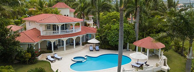 Joyous 3BR All Inclusive Villa - Private pool and VIP beaches