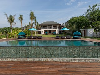 Villa Rose - an elite haven, 4BR, The Bukit