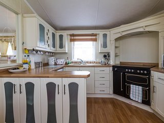 Sandringham area, 2 Bed, 6 Berth, with decking. C/H & D/G. Ref 23051