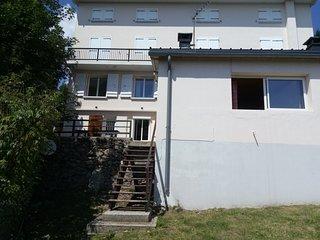 BeauT3 avec wifi ,vue imprenable, terrasse, cheminee, confort pour 6 pers, 74 m2