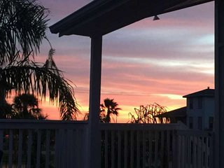 Beautifully Renovated Jamaica Beach House with Community Pool, Deck and Full Siz