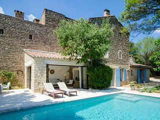 Romantic, stunning 17th Century house/ private pool /historic picturesque Gordes