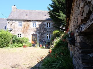 *7 NIGHTS FOR THE PRICE OF 6* 25 AUG-1 SEPT. Sleeps 4, near Huelgoat, Brittany.