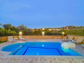 Villa Kirianna with private swimming pool