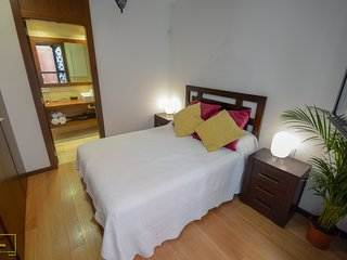 New appartment with terrace in the centre of TRIANA, breakfast included, wifi