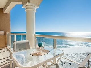 Gulf Front Views! 20th Floor Condo on Pensacola Beach