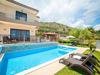 Sunlight Villa - Red with Private Pool