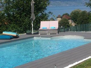 Evian, belle villa avec piscine. Vue extraordinaire sur lac et montagnes