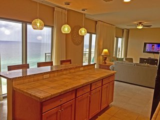 Newly Remodeld 1900 sq ft penthouse with ocean views from every Room!