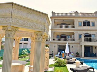 Beach Front Exclusive Luxury Villa - Sea Views - 8 Bedrooms sleeps 24 People