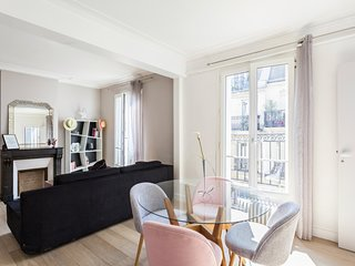 Charming flat with balcony near Parc Monceau for 4p