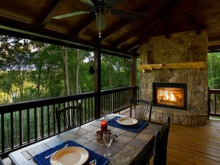 A River's Bend - Outdoor Fireplace - River/Mountain Views - Private!